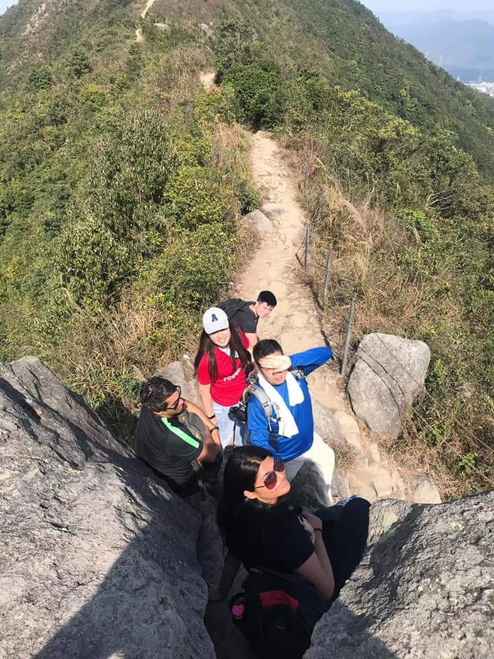 HKU_福田_多忙な学生生活の合間に香港の山々を走破するタフな奴ら